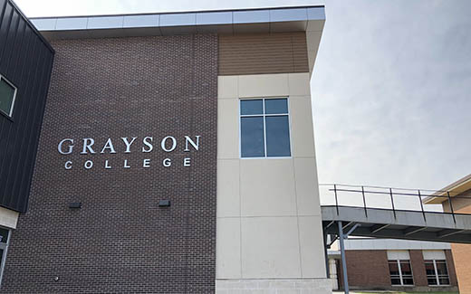 Grayson College Logo on Campus
